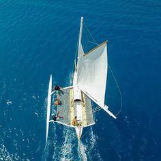 Outrigger Sailing Canoes: va'a motu