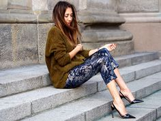 brocade pants, brokat hose, autumn, fall, trends, 2015, velvet, silk, streetstyle, berlin, fashionblogger, hello shopping, personal shopping, mohair cardigan, asos black label, jimmy choo sling pumps