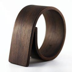 Gustav Reyes cold-bent wooden bracelet