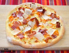 20 recetas de pizzas originales, deliciosas pizzas caseras para sorprender este verano | Gastronomía & Cía Calzone, Italian Cooking, Dessert, Hawaiian Pizza, Pizza Recipes, Quiches, Smoothies, Food, Gastronomia