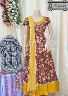 Kalamkari Blouse Designs, Kalamkari Dresses, Churidar Designs, Long Dress Design, Stylish Dress Designs, Designs For Dresses, 1 Piece Dress, Kurta Neck Design, Frock Dress