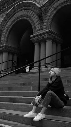 190427 Old City Hall Cenotaph, Toronto ☀ Jennie Blackpink, Blackpink Lisa, Blackpink Photos, Pictures, Lisa Blackpink Wallpaper, Blackpink Members, Blackpink Fashion, Park Chaeyoung, Ulzzang Girl
