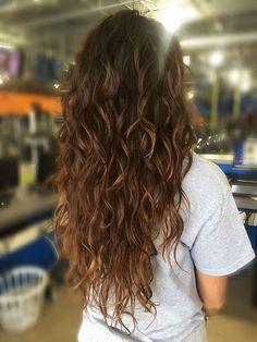 Curly Curls Beachy Wellen Permanent Ombre Long Caramel
