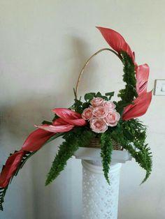 Tropical Flower Arrangements, Flower Arrangement Designs, Church Flower Arrangements, Flower Designs, Unusual Flowers, Elegant Flowers, Simple Flowers, Flower Chart, Modern Floral Design