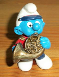Smurf! W/ a French horn!