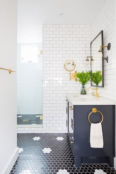 Small Lot Modern Farmhouse - Home Bunch Interior Design Ideas Small Lot Modern Farmhouse - Home Bunch Interior Design Ideas Decor, White Bathroom Designs, Bathroom Interior Design, Hex Tiles Bathroom, Bathroom Styling, White Bathroom, Transitional Bathroom, White Rooms, Black Bathroom