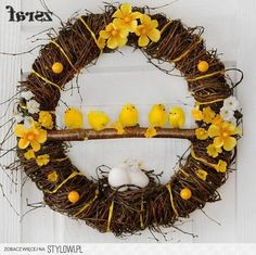pl na Stylowi. Easter Tree, Easter Wreaths, Holiday Wreaths, Holiday Crafts, Christmas Decorations, Easter Egg Crafts, Deco Floral, Easter Party, Spring Crafts