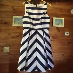⭐️1 HR SALE⚡️Jessica Simpson Nautical Dress Knee length beautiful nautical dress, wore once for a wedding. Has been dry cleaned and in perfect condition! Jessica Simpson Dresses