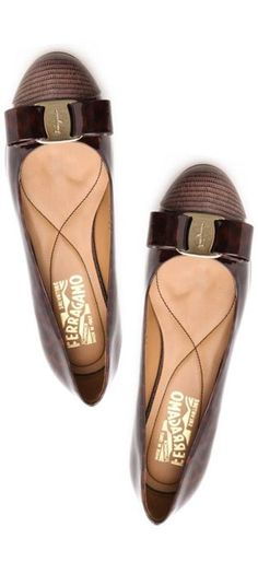 brown bow flats // i need these in my closet!