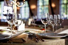 Kennen Sie die Regeln des richtigen Tischdeckens? Wir helfen Ihnen dabei. http://www.pharao24.de/magazin/praktische-ideen-und-tipps-rund-um-den-tisch/#pint