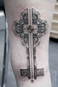 Tattoo. Rose Key.