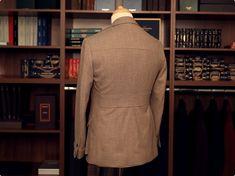 Jachetă Custom Ready To Wear - construcție half canvas, cu manșete la mâneci și cordon decorativ pe spate.  #CRTW Ready To Wear, High Neck Dress, Turtle Neck, Victoria, Sweaters, How To Wear, Dresses, Design, Fashion