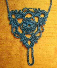 Gleeful Things Free Pattern: Goddess Barefoot Sandals Not sure I can make the Love Crochet, Knit Crochet, Thread Crochet, Crochet Bunting, Crochet Collar, Crochet Granny, Yarn Projects, Crochet Projects, Crochet Designs