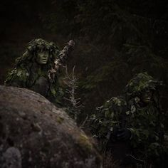 Swedish army sniper and spotter Swedish Armed Forces, Swedish Army, Navy Seals, Special Forces, Military, Countries, Pew Pew, Soldiers, Warriors