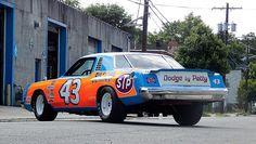 Richard Petty's last Chrysler stock car, a 1977 1978 Dodge Magnum. Richard Petty, King Richard, Dodge Daytona, Nascar Race Cars, Dodge Magnum, Drag Racing, Auto Racing, Vintage Race Car, Car Pictures