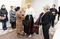 La Vestizione della Sposa. Immagini e video dell'intensa performance di Ruben Montini a Cagliari: nel segno di Gina Pane