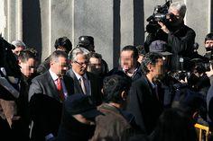 24 de enero de 2012: Al final de la sesión, el juez Baltasar Garzón abandona el Tribunal Supremo.