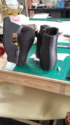 Tracer Armor- Arms by RedPillProps-Cosplay on DeviantArt Tracer Cosplay, Cosplay Armor, Cosplay Diy, Halloween Cosplay, Halloween Costumes, Cosplay Ideas, Costume Tutorial, Cosplay Tutorial, Diy Costumes