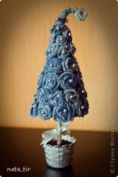 New candle lighting ideas christmas gifts 16 Ideas Felt Christmas, Rustic Christmas, Christmas Projects, Christmas Holidays, Christmas Ornaments, Christmas Trees, Jean Crafts, Denim Crafts, Diy And Crafts