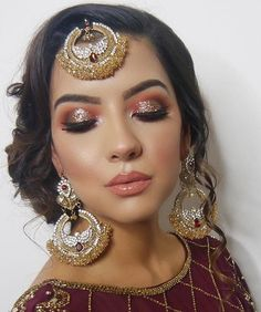 61 Ideas indian bridal makeup looks faces Indian Makeup Face, Indian Wedding Makeup, Bridal Eye Makeup, Bridal Makeup Looks, Bride Makeup, Glam Makeup, Eyeshadow Makeup, Indian Party Makeup, Asian Makeup