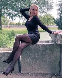 new collection new appearance attractive price Pin on mom milf Mother mature aunt cougars sexy beautiful ...