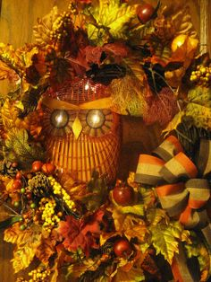 I found this wicker owl in a thrift shop, and knew immediately that it would be a great centerpiece in a Fall wreath!!!  I wish I could find a few more like this one!!!