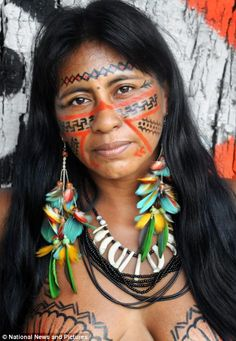Body Painting On Women - Yahoo Image Search Results Tribal Women, Tribal People, Amazon People, Amazon Tribe, Xingu, Native American Beauty, American Art, Native Indian, World Cultures