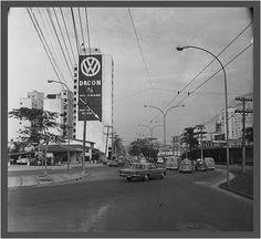 Av. Cidade Jardim cruzando com Av. Faria Lima, 1971. Ao lado, o prédio da DACON.