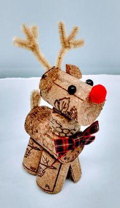 Jewelry Christmas Tree, Christmas Ornament Crafts, Christmas Crafts For Kids, Christmas Projects, Holiday Crafts, Christmas Diy, Christmas Decorations, Wine Cork Ornaments, Wine Cork Crafts