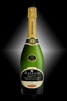 Crémant de Loire Privilège by the House of Ackerman - Chenin, Chardonnay and Cabernet Franc - Extremely aromatic with floral and fruity aromas, its refined and well-melted bouquet is an expression of the region's easy-going way of life.