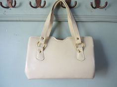 Vintage hand bag - love it