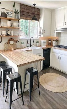 32 Beautiful Small Kitchen Design Ideas And Decor. If you are looking for Small Kitchen Design Ideas And Decor, You come to the right place. Below are the Small Kitchen Design Ideas And Decor. Kitchen Interior, Home Decor Kitchen, Kitchen Design Small, Modern Country Kitchens, Rustic Kitchen Design, Kitchen Remodel, Kitchen Decor, Rustic Kitchen, Kitchen Design
