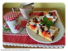 NEŠLEHAJÍ SE BÍLKY, JE TO VELMI JEDNODUCHÝ RECEPT<br><br>DÁM SI DO MÍSY 3 VEJCE, CUKR, OLEJ A ŠLEHÁM... Czech Recipes, Dinner This Week, Summer Recipes, Sweet Recipes, Waffles, French Toast, Goodies, Pudding, Sweets