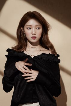 Lee Sung Kyung, you're so beautiful! Lee Sung Kyung Fashion, Nam Joo Hyuk Lee Sung Kyung, Lee Sung Kyung Style, Lee Sung Kyung Photoshoot, Korean Actresses, Korean Actors, Korean Beauty, Asian Beauty, Korean Celebrities
