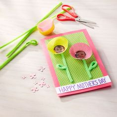Create a special Mother's Day card for your one of a kind Mom with this DIY Mother's Day Kids' Photo Flower Card