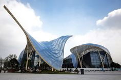 For the 8th Chinese Flower Expo in Wujin, China, Lab Architecture Studio designed two pavilions to honor the event, the Art Exhibition Pavilion and the Science Exhibition Pavilion.