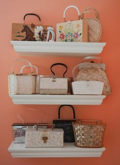 Are your handbags cluttering up your entryway? Here are 11 easy--and budget-friendly--handbag storage solutions. Diy Purse Display, Diy Purse Organizer, Handbag Display, Handbag Storage, Handbag Organization, Display Shelves, Vintage Purses, Vintage Bags, Vintage Handbags