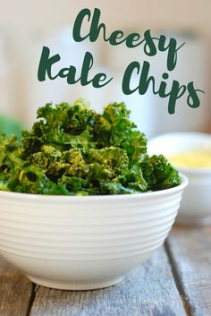 These Cheesy Kale Chips are your new favorite totally addictive but healthy snack | the INSPIRED home