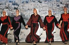 The people of Qatar celebrate all festivals and events with great enthusiasm. Explore more on popular festivals and events held in Qatar. Palestine History, Palestine Art, Palestinian Wedding, T Shirt Tutorial, Historia Universal, Chinese Patterns, Palestinian Embroidery, Mood Wallpaper, Pretty Images