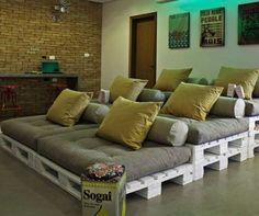 Cool DIY home theater seats. 25 creative ways to recycle wooden crates and pallets - via Blog of Francesco Mugnai