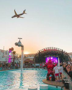 Bilbao, Malaga, Valencia, Ibiza Beach Club, Ibiza Holidays, Places To Travel, Places To Go, Ibiza Clubs, Madrid