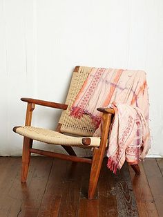 // tie dye blanket // free people // for use to change up my plain black and white bedding