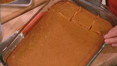 Pumpkin Gooey Butter Cake by Paula Deen. Easier than pie! Pumkin Cake, Pumpkin Gooey Butter Cake, Pumpkin Cake Recipes, Pumpkin Bars, Pumpkin Dessert, Easy Cake Recipes, Bread Recipes, Carrot Cake, Paula Deen Butter Cake