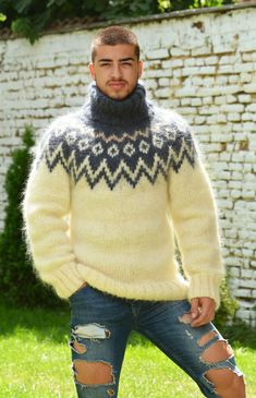 Mohair Yarn, Mohair Sweater, Wool Sweaters, Men Sweater, Icelandic Sweaters, Fashion Project, Sweater Fashion, Hand Knitting, Turtle Neck