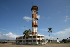 Old Aviation Control Tower in Ford Island, Hawaii Remember Pearl Harbor, Pearl Harbor Attack, Brothers In Arms, Abandoned Places, Towers, Wwii, Interior And Exterior, Places Ive Been, Aviation
