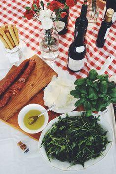 Dr. Oetker Pop Up Pizzeria - lainahöyhenissä | Lily.fi Italian themed dinner party