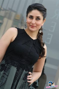 Picture # 241621 of Kareena Kapoor with high quality pics,images,pictures and photos. Kareena Kapoor Hairstyles, Kareena Kapoor Images, Kareena Kapoor Bikini, Kareena Kapoor Khan, Indian Celebrities, Bollywood Celebrities, Bollywood Actress, Most Beautiful Indian Actress, Beautiful Actresses