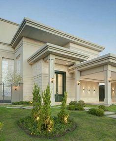 Home is what you are the exterior is the face of the house that everyone will see in the first part. Come to get an Idea of Modern Exterior Design Classic House Exterior, Classic House Design, Modern Exterior House Designs, Duplex House Design, Exterior Design, House Outer Design, House Outside Design, House Front Design, Dream House Interior