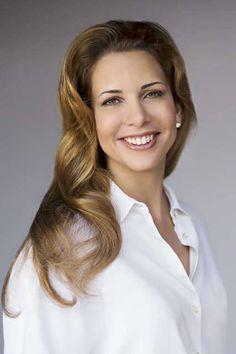 Haya bint Al Hussein. Shared by Noor Jo Royal Hairstyles, Princess Haya, Jordan Royal Family, Royal Beauty, Business Portrait, Royal Jewels, Beautiful Smile, Sexy Women, Royalty