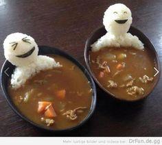 Reismännchen baden in Suppe